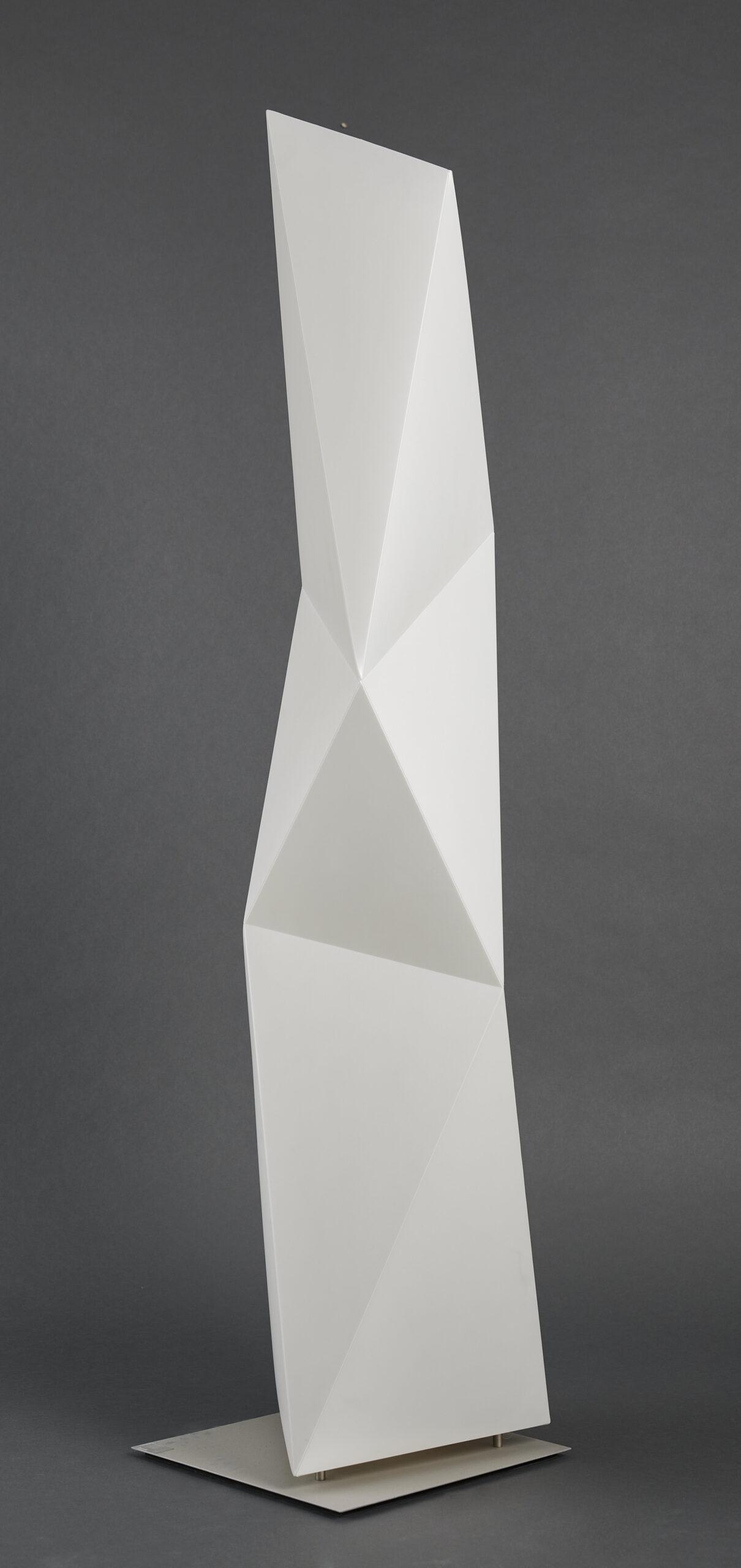 Lote 042 – Lampada de piso