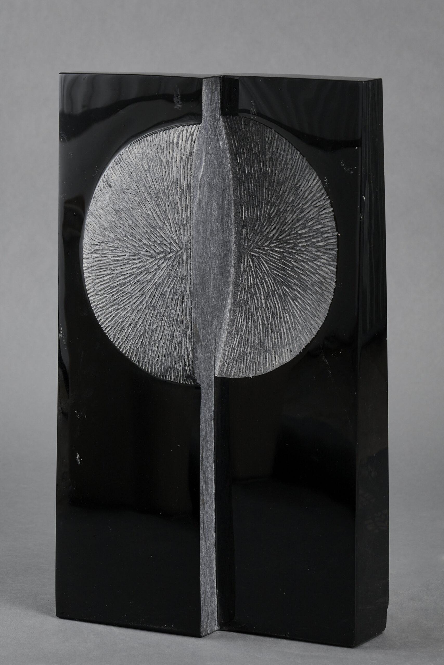Lote 029 – Eclipse, 2000 – Obsidiana